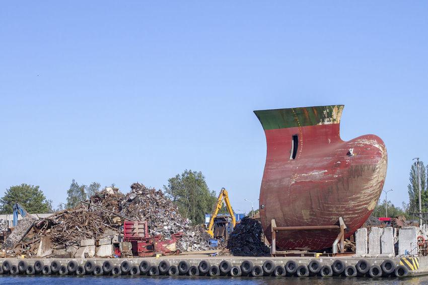 Day No People Outdoors Scrap Sea Ship Shipyard