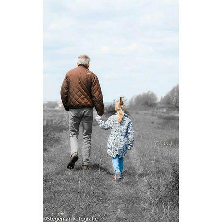 """Opa en Kleindochter"" Family Opa Kleindochter Familie grandpa granddaughter fotografie fotoshoot historyinthemaking"