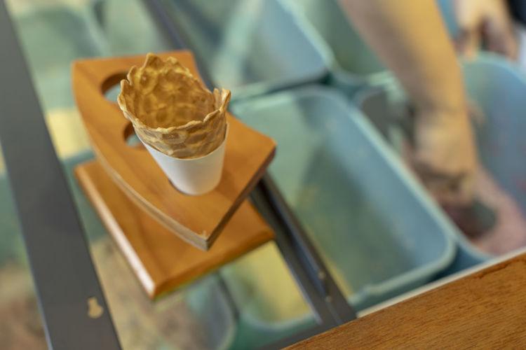 ice cream cone on mirror table top Ice Cream Cone Summer ☀ Eating Ice Cream Shop Ice Cream Time Refreshment Tray Mug High Angle View Cup Still Life