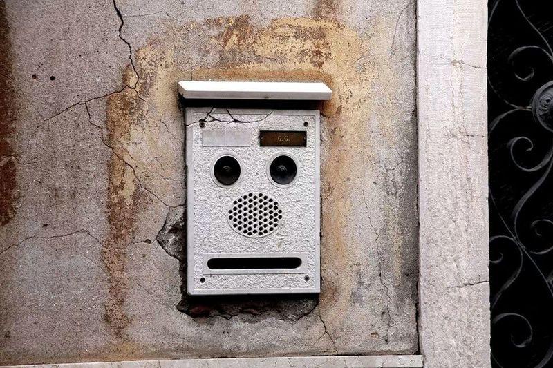 Venedig Doorbells Face