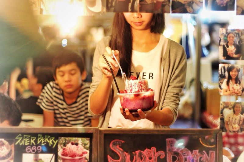 "ArtBox Bangkok- ""Super Berry"" Looks so good. 看起来好好吃😅 Traveling Bangkok Artboxbangkok Foodporn Bangkok Thailand. The Traveler - 2015 EyeEm Awards The Street Photographer - 2015 EyeEm Awards Streetphotography Getting Inspired"