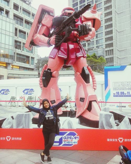 Gundam Docks at Taiwan 🙆 GUNDAM DOCKS AT TAIWAN Gundam Myhappiness Happiness Gundam Build Fighter GUNPLA EXPO Gundam Model Gundam Factory Taipei Taipei City Hall City Real People Built Structure Outdoors Taipei,Taiwan Technology Full Length