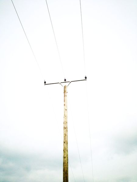 Energie im Mast Deceptively Simple How Do We Build The World? Strommast Stromleitung Electricity  Electricity Pylon Electric Electric Wire