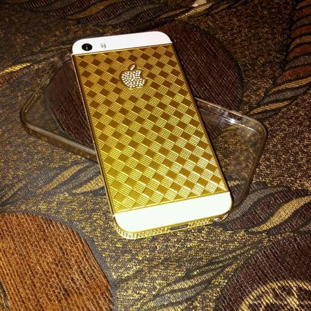 Taking Photos Check This Out That's Me Hello World iphon5s gold