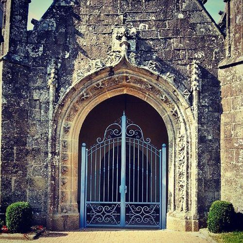 Eglise Portail Plonevez du Faou breizhinstagramer bretagnetourisme