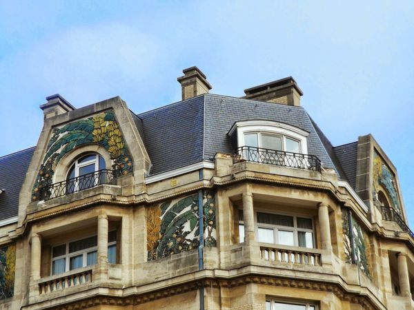 Tropiques. Art Deco Architecture Banana Tree Architecture Architectural Detail Mansard Roof Roof Windows Sky Showcase April Residential Building Bruxellesmabelle The Architect - 2016 EyeEm Awards