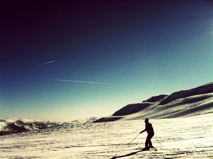 Love this <3<3 Winter Silhouette Skiing Love