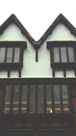 Elisabethan 15th Century House Symmetry Old Building  Windows Leaded Windows Olde 500 Years Old Made In England Olde World Back In Time