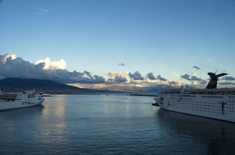 Hafen Napoli und Vesuv / Vesuvio Beautiful Nature Mittelmeer Marina Napoli Vesuvio Snav