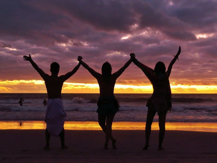 Agradece cada segundo... Sunset Men Night Happiness Women Human Body Part Adult Beach Dusk Water Silhouette People Togetherness Vacations Outdoors Landscape Sea Smiling Friendship Lifestyles Pratigi Bahia