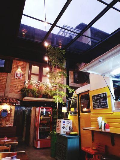 Cafe & Food