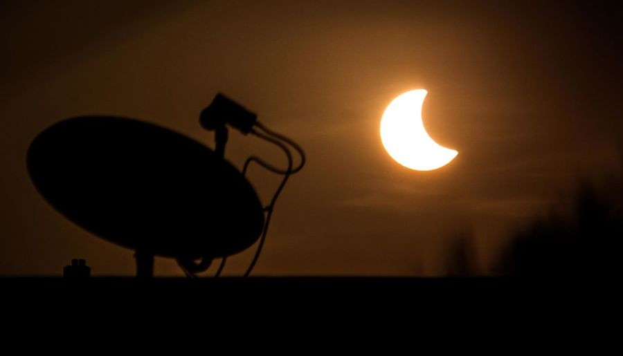 Sun Eclipse WeekOnEyeEm Astronomy Beauty In Nature Close-up Eclipse Eclipse 2017 Low Angle View Nature No People Outdoors Scenics Silhouette Sky Sun Sunset Technology Today Week On Eyeem