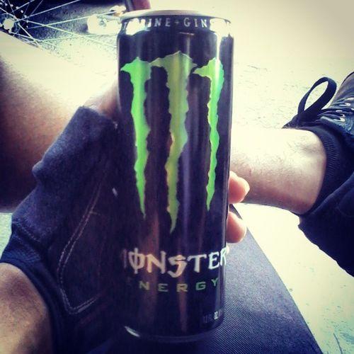 Monster for days!! Enjoyingthebrew Energy Energydrink Drank sipsipsipin chill atthebikeshop gngbikeshop nicelegs hashtag stayfixed thefixedlife preride juice notaddicted