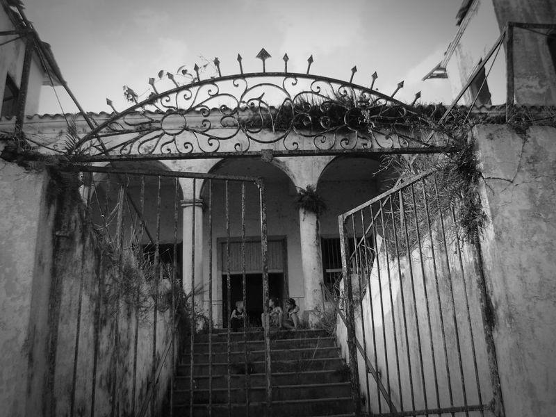 Escalinata Fidencia Architecture Arts Culture And Entertainment Built Structure Casona Abandonada Day Gran Puerta Outdoors