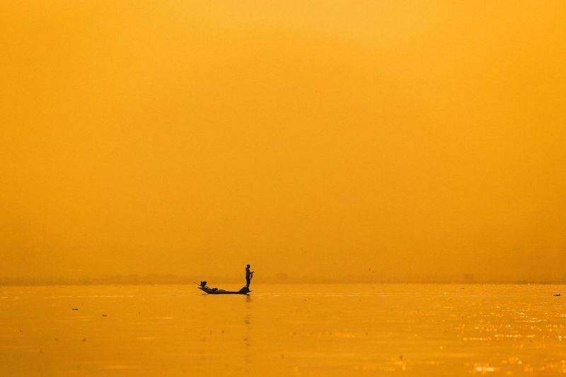 Sunrise Inle Lake Boar Myanmar Fisherman Incredible Traveling Morning Amazing View Golden Hour Travel Photography Traditional Old 43 Golden Moments