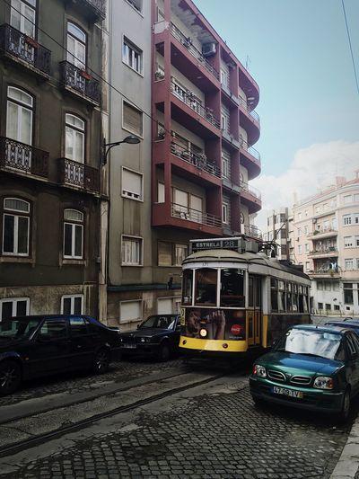 28 Estrela Electrico De Lisboa Carris Lisboameninaemoça Battle Of The Cities