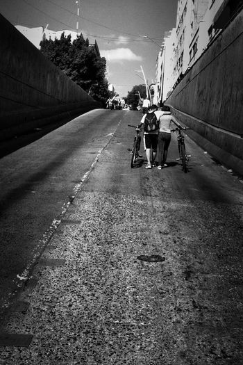 Street B&w Street Photography Streetphotography Blackandwhite Photography Black & White Street Photography Street Photo Street Portrait City Street Streetphoto_bw Monochrome Blackandwhite Streetphotography_bw Streetphoto Street Life The Way Forward City Life Love