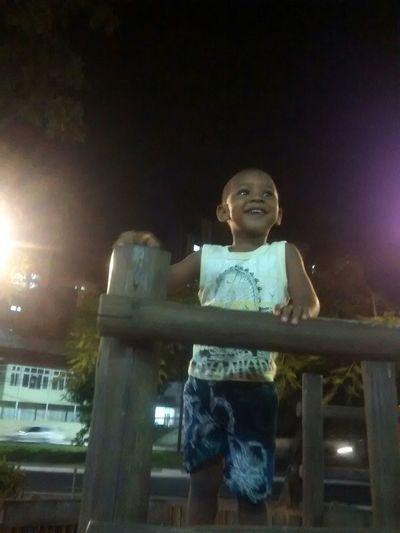Relaxing My Son :) Smile ✌ a inocência de um sorriso. Dimalima