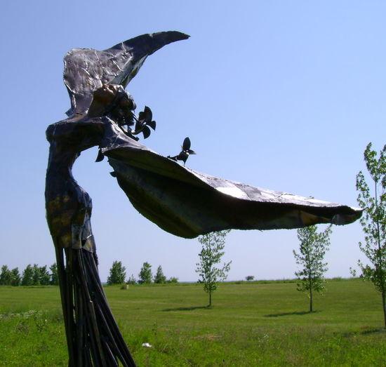Bronze Bronze Sculpture Feminine  Flowers Flowing Freedom Grace Statue