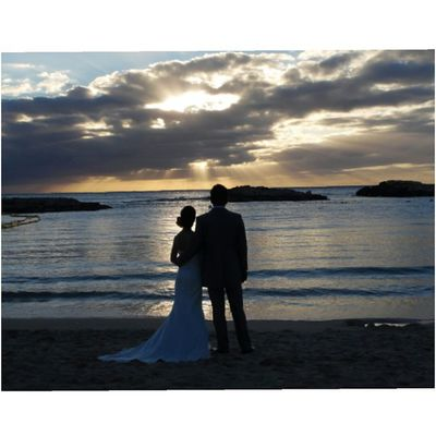 Captured this photo of a married couple today at Ko Olina Lagoons Photography By: Videoprince Luckywelivehi KoOlinalagoons Beach Beautiful Sunset Photographer Photography Videoprince Married Love Paradise Hnnsunrise