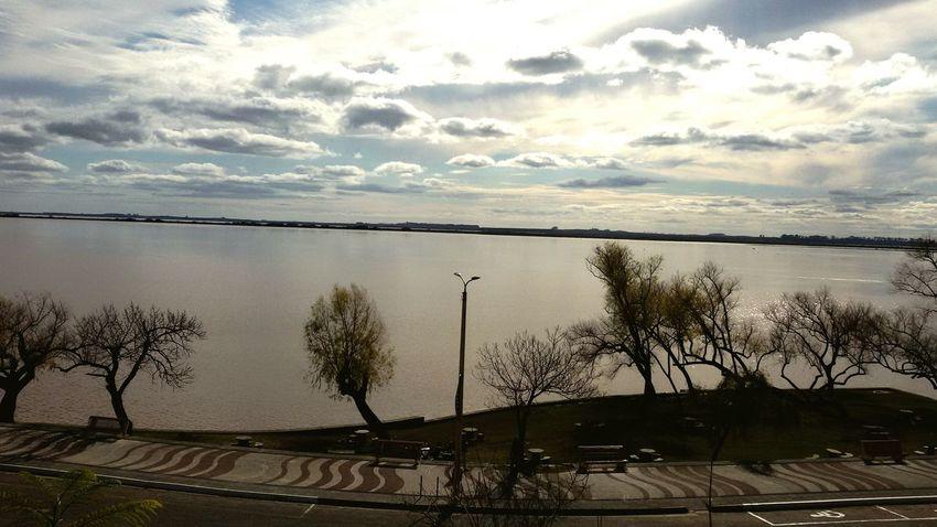 Rambla de Fray Bentos en Uruguay Relaxing