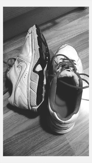 Nike✔ NikeRun Nikerosherun Black And White