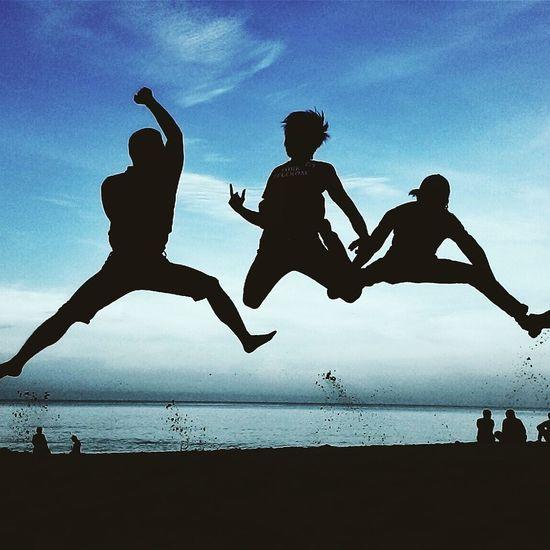Beach Jump Fly