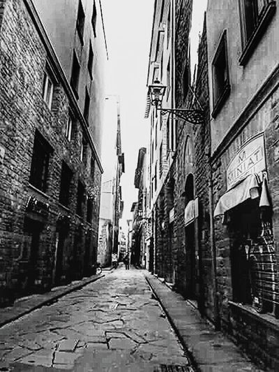 Urban City View  Streetphoto_bw Streetphotography_bw Monochrome Eyeemmonochrome Cityworldwide Cityscapes Black And White Blackandwhite Photography