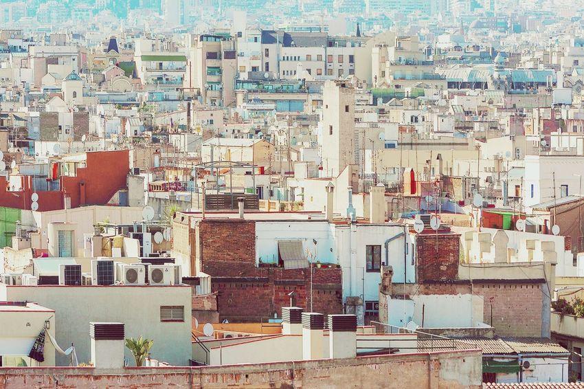 Games volumes under sunlight | Juego de volúmenes bajo la luz del sol Architecture City Urban Urban Landscape