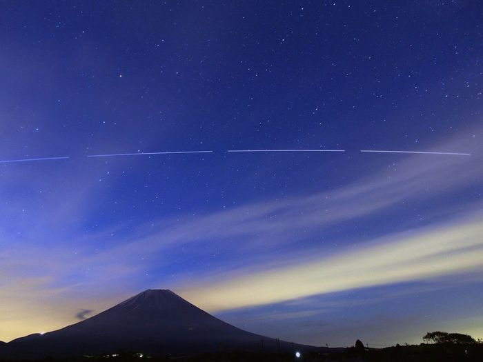 Mt. Fuji at dawn to wait for. To sail in the international space station. International Space Station ISS Starry Sky Sky And Clouds Skyscape Mt.Fuji 国際宇宙ステーション 富士山 Japan Stacking EyeEm Gallery Eyemphotography Space Astrophotography Star Field M.zuiko Dawnsky 星空散歩 M.ZUIKO DIGITAL