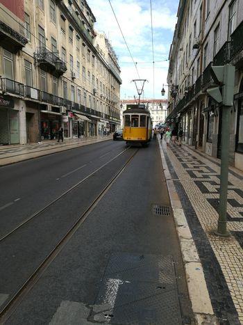 Lisboa Lisboa Tranvía Rossio City Yellow Taxi Street Sky Architecture Building Exterior Built Structure