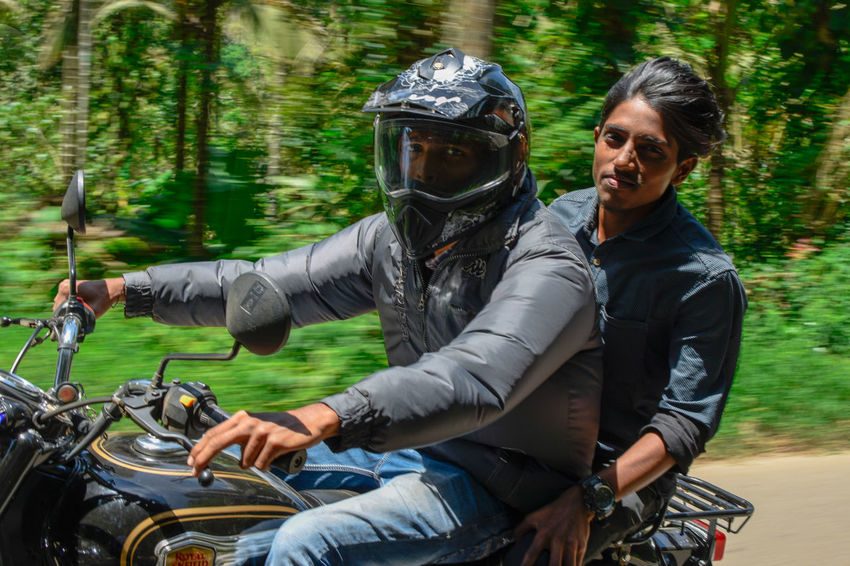 travel royaly.... Trecking Trip Trippin' Royal Enfield Ride In Royal Enfield Kerala Nature Biker Young Women Water Smiling Men Togetherness Motorcycle Portrait Happiness Adventure Bmx Cycling Bicycle Road Trip Shore Cycling Cycling Helmet Mountain Bike Skateboard Park Bicycle Basket Bicycle Shop Sports Ramp Spoke Pedal My Best Travel Photo