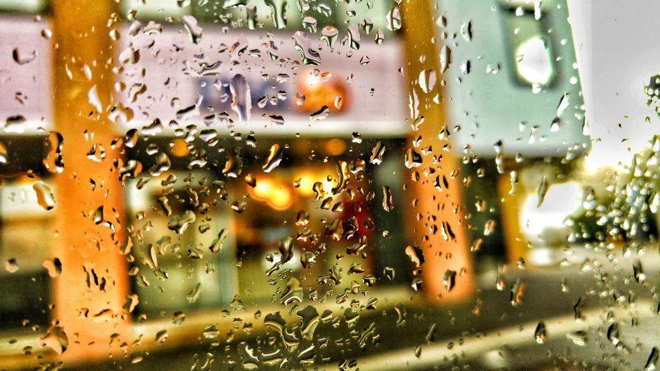 Hungarian NL Ing Bank Advertisement Commercial Rainy RainyDay Raindropshot Raindrops LGG4 Lgg4photography Window No People Snapseed Hobbyphotography Photo Orange Color Nederland Abstract Macro Focus