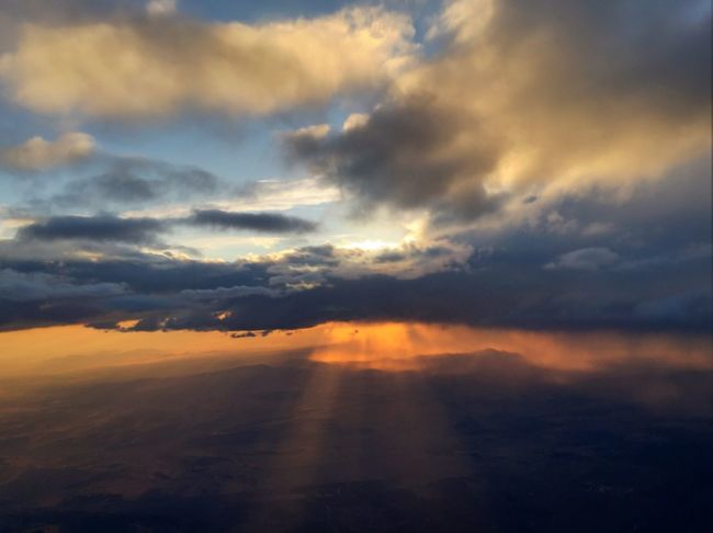 From up in the clouds! Clouds Sun From An Airplane Window Up In The Sky Up In The Clouds Sunbeams Awesome Colors Nevada Sky's