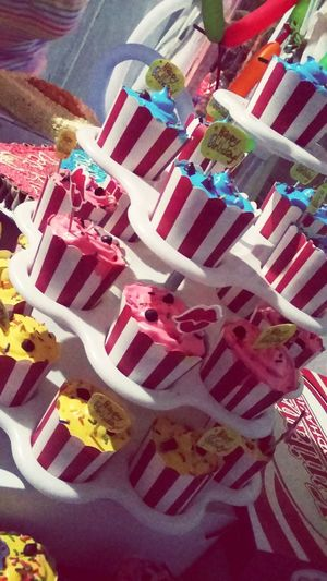 Cup Cakes Strips Colorful Birthdayparty