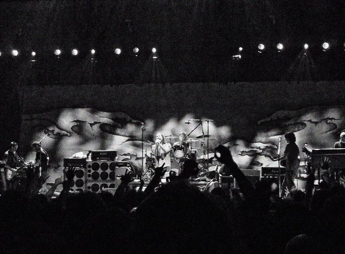 Pearl Jam Eddie Vedder Stone Gossard Jeff Ament Matt Cameron Mike McCready Blackandwhite Music Rock Grunge Musicians Music Brings Us Together London O2 Atmosphere Rocking Out Concert Concert Photography