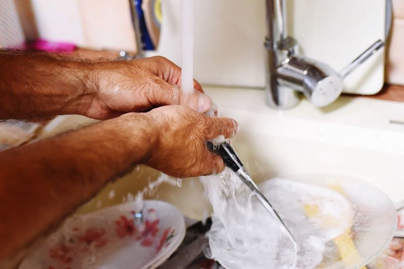 wash the dishes Dishes Washing Waching Kitchen Home Work EyeEm Selects Human Hand Hand Human Body Part One Person Indoors  Holding Body Part Real People Close-up Lifestyles