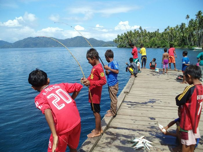 Indonesia_photography Indonesian Halmahera Selatan Visit Indonesia Pesona Indonesia Halmahera Daily Life Cultural Water Child Nautical Vessel Sea Beach Boys Childhood Full Length Men Togetherness