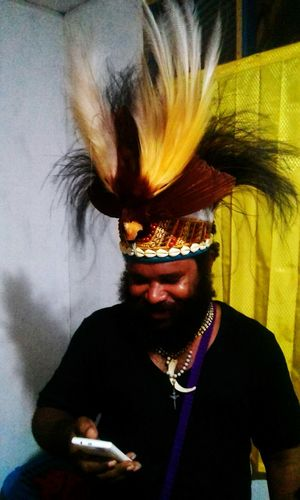 One Man Only Lifestyles Only Men One Person West Papua Culture West Papua Men Beauty In Nature Culinary Arts Countrylife Coulture Individuality