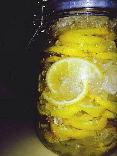 Lemonade with white vinegar Greatlife/