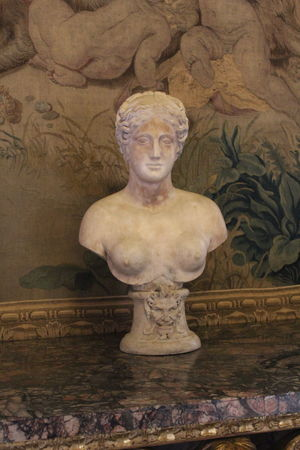 Architecture Art And Craft Belief Bust  Close-up Craft Creativity Female Likeness History Human Representation Indoors  Male Likeness Museum No People Religion Representation Sculpture Statue The Past Wall - Building Feature