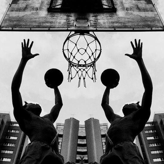 Curitiba Street Art EyeEm Best Shots Streetphoto_bw Streetphotography Blackandwhite Monochrome Basketball Streetbasketball Streetbasket