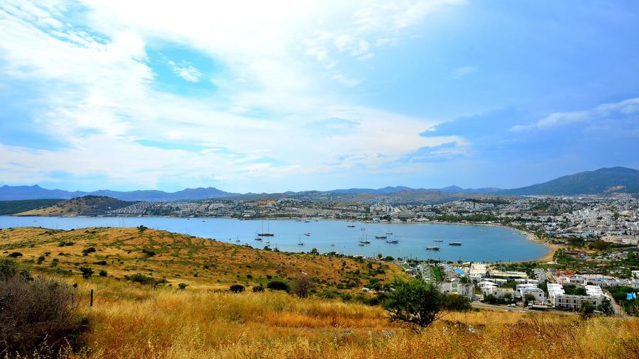 Bodrum ve Ege Denizi Agean Sea Türkiye Bodrum Castle Bodrum, Turkey Holiday Bodrum #holiday #sailing Bodrum Kalesi History Nature Sea Sea And Sky
