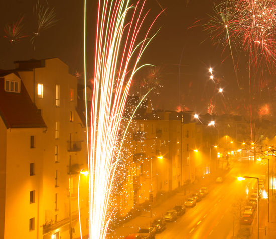 Feuerwerk Firework Firework - Man Made Object Firework Display Fireworks Friedeau Langzeitbelichtung Multi Colored Multicolors  Night Photography Nightphotography No People Outdoors Paint The Town Yellow