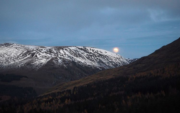 Managed to capture the moon rising whilst the sun was setting behind us on our walk up Glen Doll yesterday 🌙 Mountain Scenics Landscape Snow Sky Mountain Range Winter No People Outdoors Cold Temperature Snow ❄ Autumn Hills Scotland Glen Doll Beautiful Eye Catching Landscape_Collection Landscape_photography Peaceful Moon Shots Moon Bright Moon Dusk In The Middle Of Nowhere