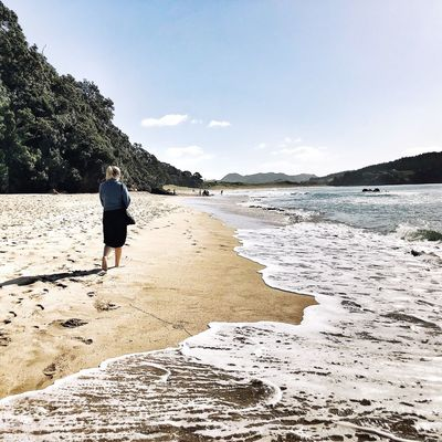 Hot Water Beach Explore New Zealand Female Traveler Female Solo Traveler One Person Real People Lifestyles Leisure Activity Full Length Sky Nature Outdoors Walking