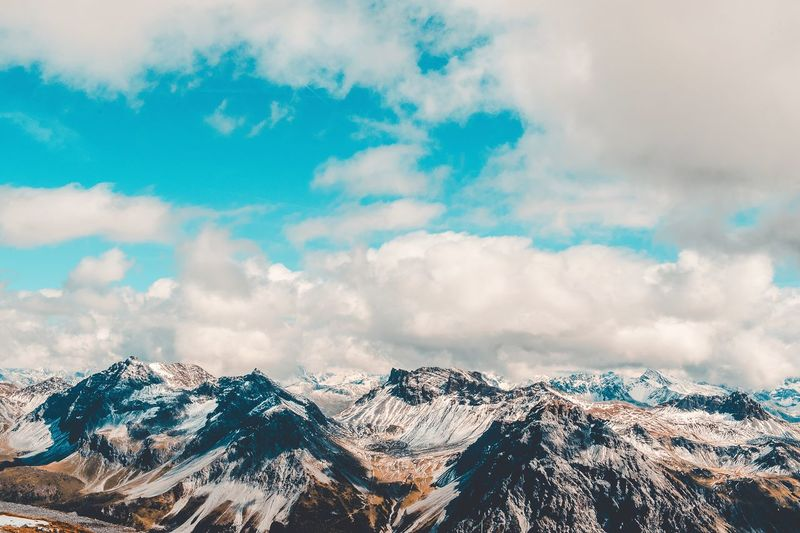 Como en el cielo EyeEm Selects Mountain Snow Cold Temperature Winter Snowcapped Mountain Nature Scenics Tranquility Landscape Day No People Tranquil Scene Physical Geography Mountain Peak Sky Cloud - Sky Beauty In Nature Mountain Range Outdoors