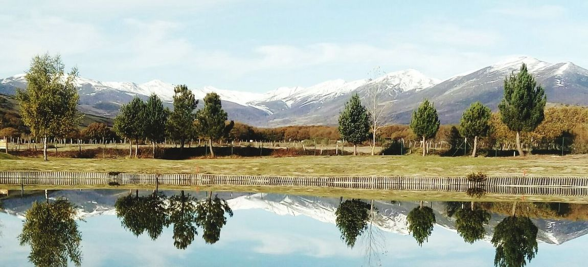 Campo de golf de Nestares. Cantabria Reflection Mountain Tree Lake Water Mountain Range Scenics Cloud - Sky No People Sky Landscape Travel Destinations Outdoors Nature Day Beauty In Nature Snow First Eyeem Photo