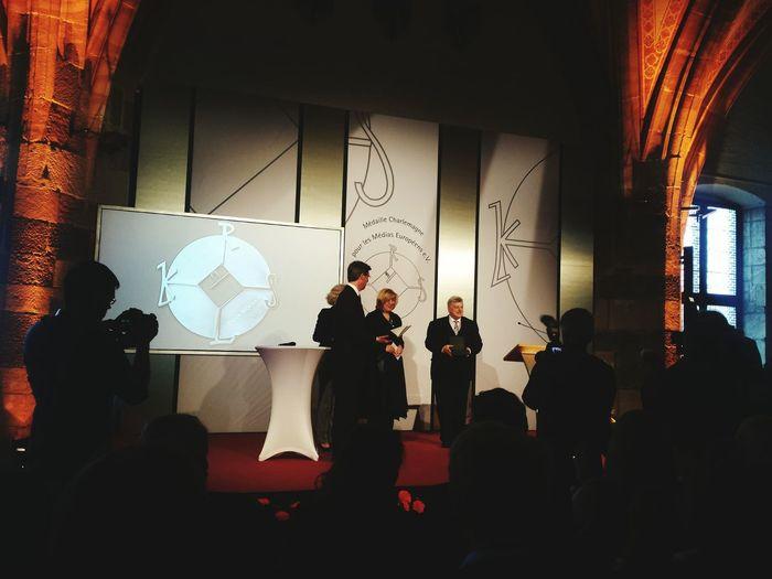 Die OSZE-Beauftragte für Freiheit der Medien, Dunja Mijatovic bekommt die Karlsmedaille überreicht Aachen Medien Journalism