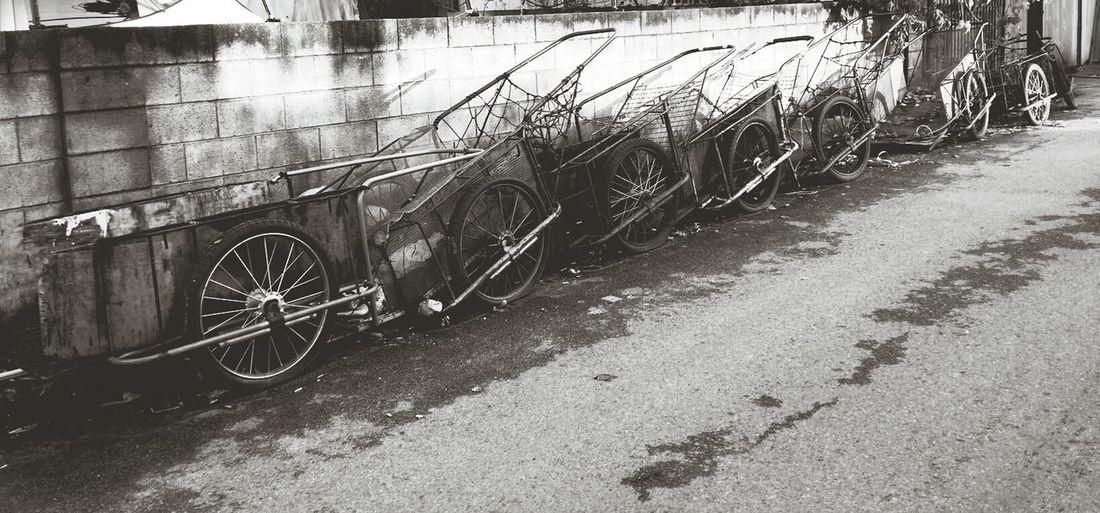 the Wheels. Oldtown Black And White Korea